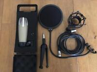 Behringer C-1 with kit (shock-mount, pop-filter, XLR cable, Stand tripod)