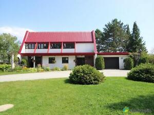 429 500$ - Maison 2 étages à vendre à Mont-Laurier
