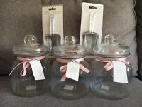 BRAND NEW - x3 Large Jars, x Table cloth & Sweet Scoops