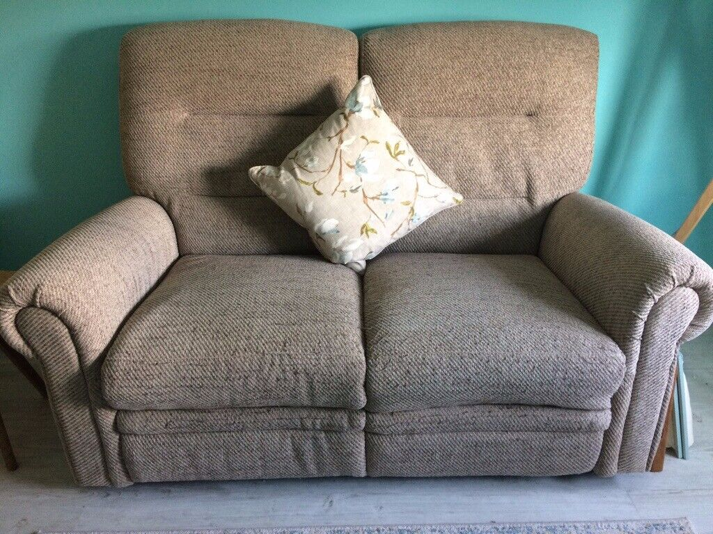 Pleasing New Oak Furnitureland 2 Seater Electric Recliner Sofa With Matching Footstool In Braunton Devon Gumtree Pabps2019 Chair Design Images Pabps2019Com