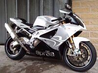 rsv 1000 aprilia motorbike