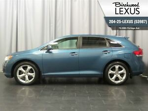 2009 Toyota Venza V6 AWD Touring w. Leather & Roof