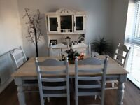 Fab chutney table and 6 chairs