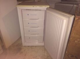 **ICELINE**UNDERCOUNTER FREEZER**4 DRAWS**£60**GOOD CONDITION**COLLECTION\DELIVERY**NO OFFERS**