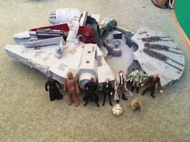 Millenium Falcon Star Wars Plus 9 Figures!