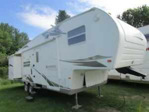 2009 Forest River Rockwood Signature 8288 ss