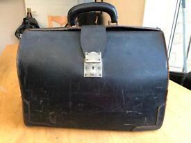 Vintage leather old doctors bag/ case