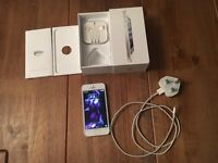 Apple IPhone 5 EE Complete With Box And Acessories