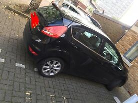 BLACK USED FORD FIESTA 2009 ZTEC CAR- £3,900 ONO