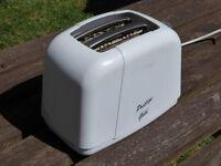 Basic 2 slice toaster. Prestige Gold model