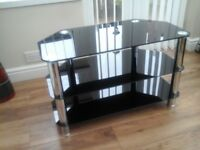 Black glass tv stand very good condition size 80×40×50