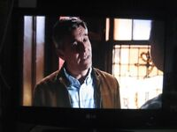 LG TV 19 INCH LG 3000 with HDMI Splitter, HDMI Cable and Remote