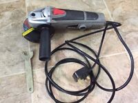 Wickes 850W 115mm Angle Grinder