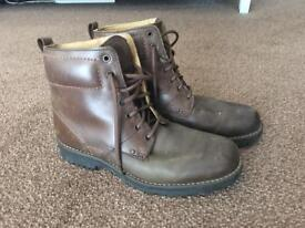 Excellent condition brown leather boots size 8