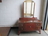 VINTAGE MAHOGANY VENEER FOUR DRAWER DRESSING TABLE WITH MIRROR