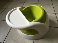 Snug Seat Bumbo Seat Mamas and Papas with Tray and Insert.