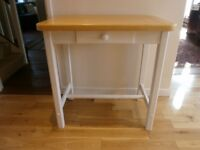 Solid wood breakfast bar/butchers block/kitchen island/table with 2 stools - good condition