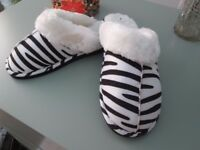 ZEBRA PRINT SLIPPERS SIZE 6 NEW