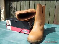 rigger boots size 8 only used once as new condition, gardening/allotments/ building work