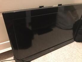 28inch Toshiba TV plus stand to fit the tv