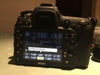 Excellent Nikon D7100 with Nikon 18-140VR lens