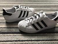 Adidas superstars size 5 adult