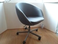 Swivel Chair for Home / Office