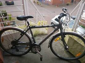 TREK HYBRID t30 NAVIGATOR BIKE.IN GREAT CONDITION. SHIMANO GEARS,PERFECT WORKING ORDER..