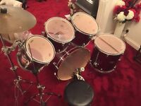 MAPEX VXB DRUM KIT with cymbal stands and hardware