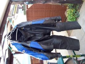 Shoei Leather suit . Old style but in very good condition, Size 40 waist
