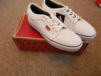Vans chukka low leather size 9 mens shoes