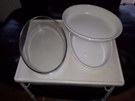3 x oval China dishes