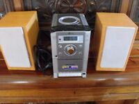 LG STERO/HiFi & SINGLE CD & CASSETTE + AM/FM RADIO / MP3 - Spares or Repairs