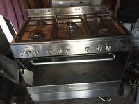 Gas Cooker 5 Burners free standing