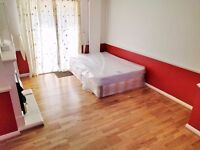 LARGE DOUBLE ROOM WITH GARDEN FOR £200 ** MOVE IN WITH ONLY TWO WEEKS RENT AND DEPOSIT**