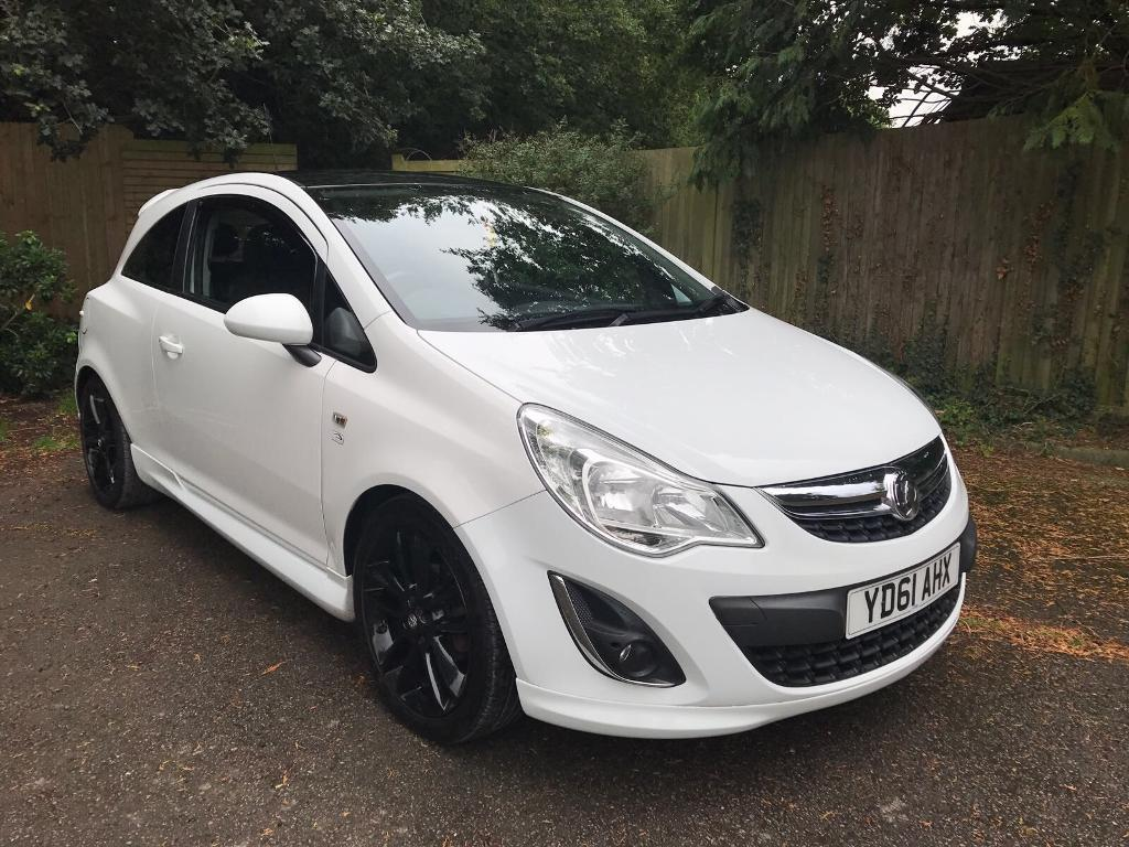 vauxhall corsa d limited edition 1 2 white very low mileage in brentwood essex gumtree. Black Bedroom Furniture Sets. Home Design Ideas