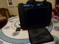 BRAND NEW/UNUSED, PET CARRIER, MEDIUM, AMZEAL LATEST STYLE,COST £47, BARGAIN £20, CAN DELIVER