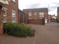 Modern 1st floor 2 bed Secure Apartment Available to RENT £600 pm plus bills .