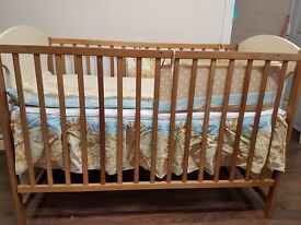 Cream & Brown Baby Bed
