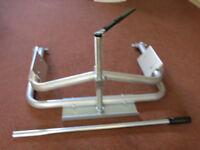 easy to use Milenco aluminium caravan leveller with precise mm adjustment. Unused. Inc carry case