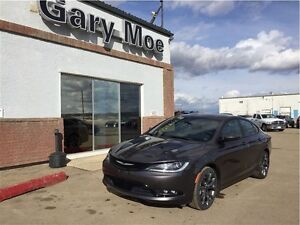 2015 Chrysler 200 S **Beautiful Ride**