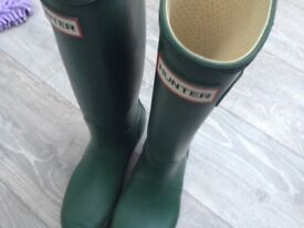 HUNTER Boots Ladies size 5 only worn for 30 minutes.