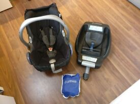 **FURTHER REDUCED** Maxi Cosi Baby Car Seat + Cabriofix Isofix Base + Rain Cover