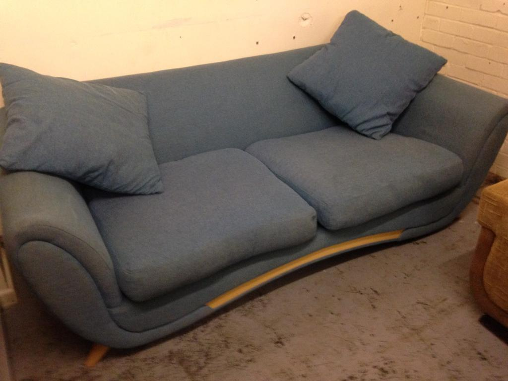 RETRO STYLE FABRIC SOFA SOME MISSING CUSHIONS ,GOOD USED CONDITION FREE LOCAL DELIVERY 07486933766