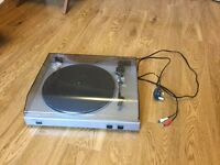 Turntable Record Player USB, **BOXED** 33 1/3 and 45 RM, full size LP's records, line output