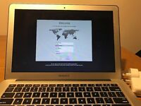 "Macbook Air 13"" Mid 2011 Excellent Condition"