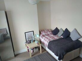 Room to Rent in Headington- Available 1st June