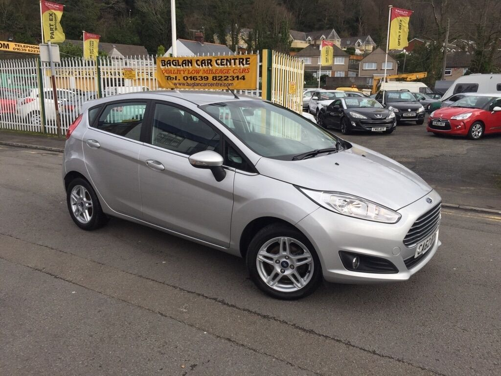 ford fiesta zetec 5dr silver 2012 in baglan. Black Bedroom Furniture Sets. Home Design Ideas