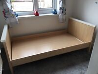 Mamas n papas murano cot/bed, set of drawers and under cot draw