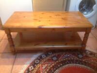 Ducal pine coffee table